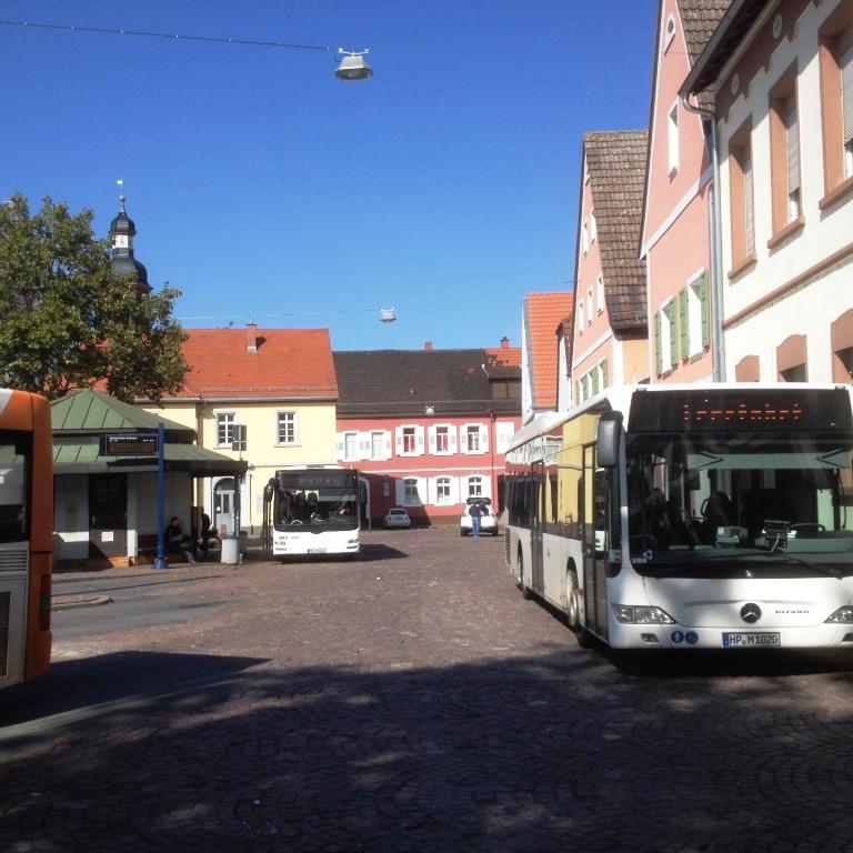 Bushaltestellen auf den Seckenheimer Planken
