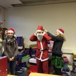 Der Nikolaus von Perspektive Kinder bekommt sein Outfit
